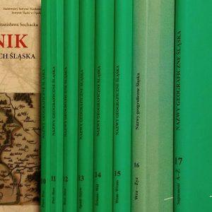 Słowniki nazw miejscowych