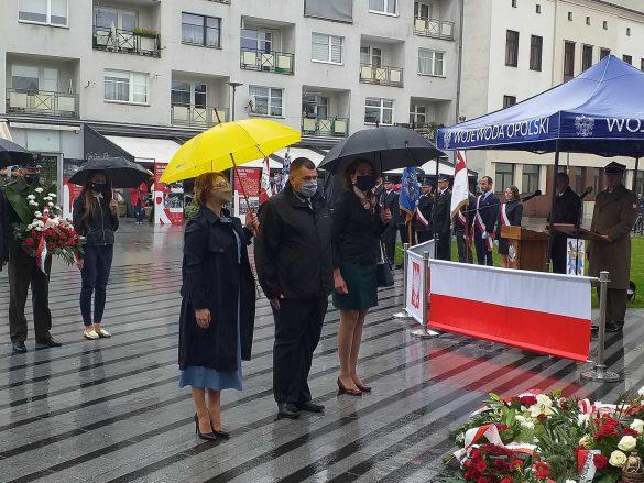81. rocznica wybuchu II wojny światowej: składanie kwiatów pod Pomnikiem Bojownikom o Polskość Śląska Opolskiego