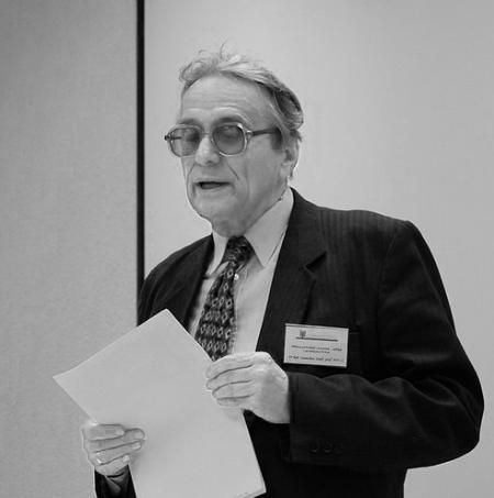 Prof. Stanisław Senft podczas wykładu
